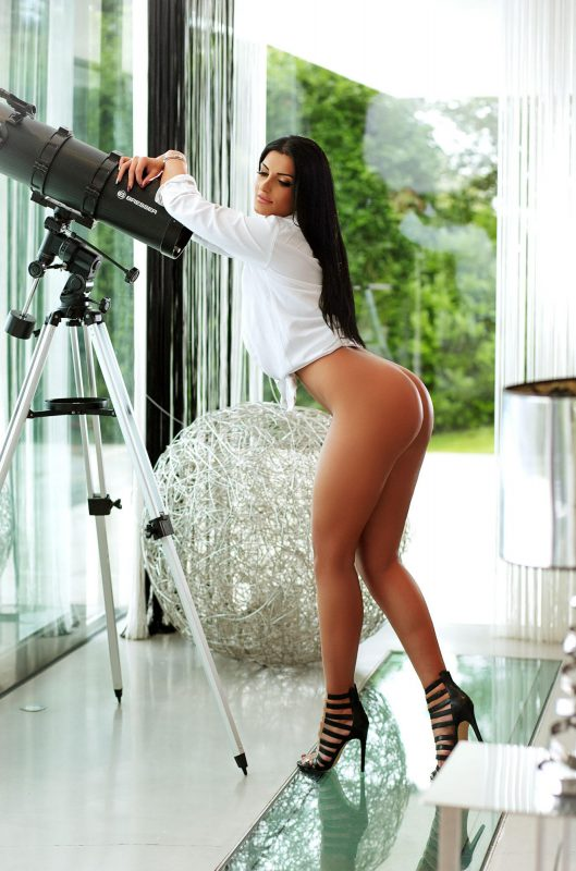 Fernanda Classy Brunette