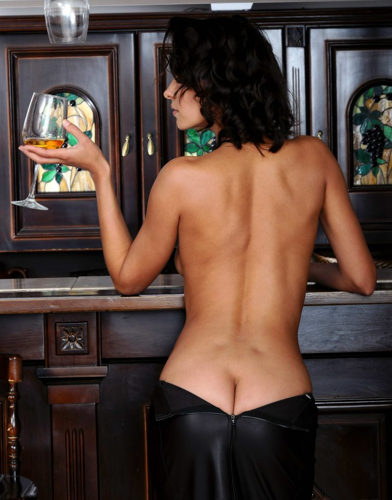 Sexy-Back-and-Ass-Of-Escorts