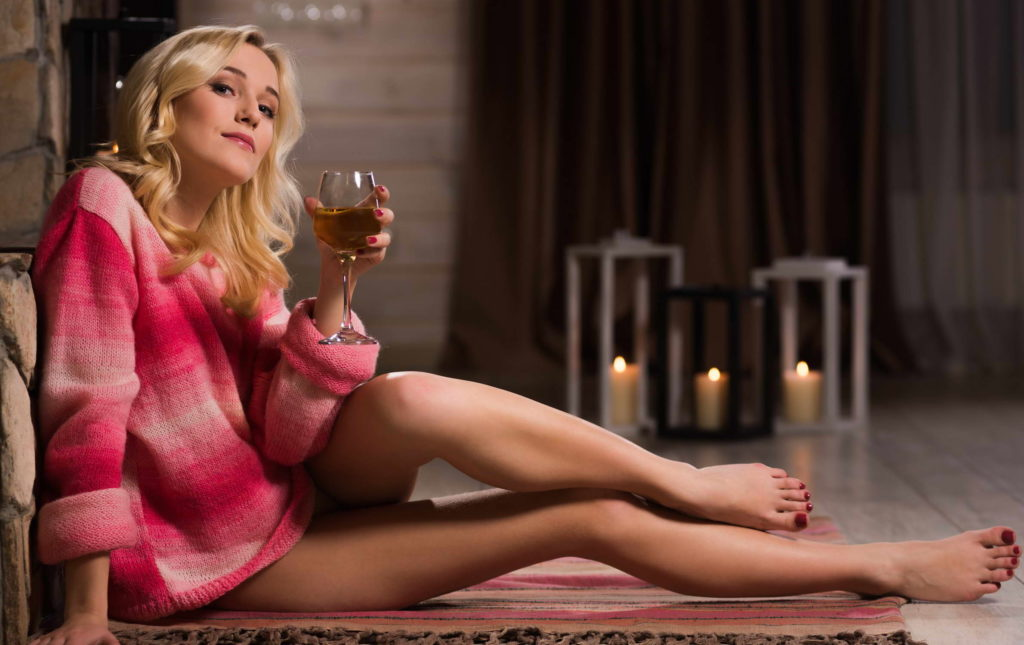 Hot Blonde Classy Lady